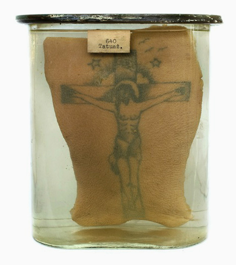 stick-and-poke-preserved-prison-tattoos-designboom-13