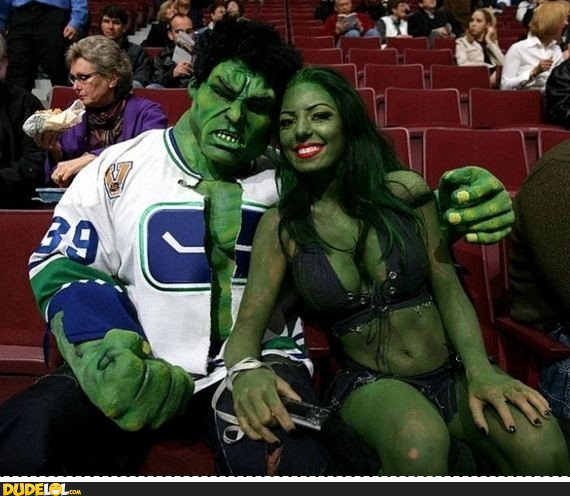 hulk-cosplay-is-awesome.