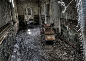 Amazing Urban Exploration Photos of Hellingly Hospital
