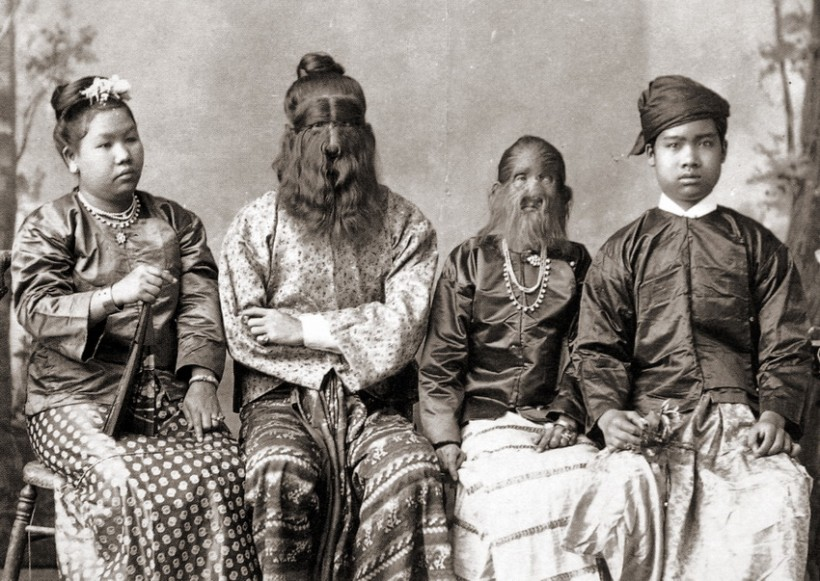 Sacred Hairy Family of Birma 1910 Charles Eisenmann