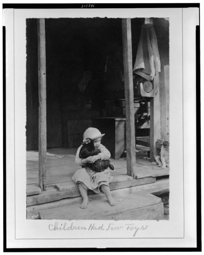 Children had few toys / Photo by Wm. A. Barnhill, Gamaliel, Ark. Creator(s): Barnhill, Wm. A. , photographer Date Created/Published: [between 1914 and 1917]