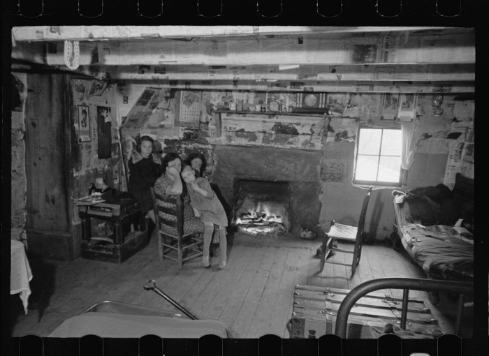 Interior of mountain farmhouse, Appalachian Mountains near Marshall, North Carolina Creator(s): Mydans, Carl, photographer Related Names: United States. Resettlement Administration. Date Created/Published: 1936 Mar.