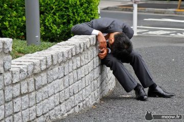 Drunk-Japanese-Salarymen-Failed-at-Getting-Home-0027