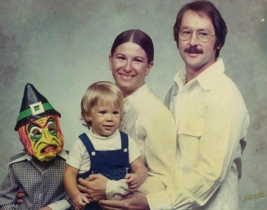 Weird-Odd-Family-Photos-Awkward-Damian-Devil-Child