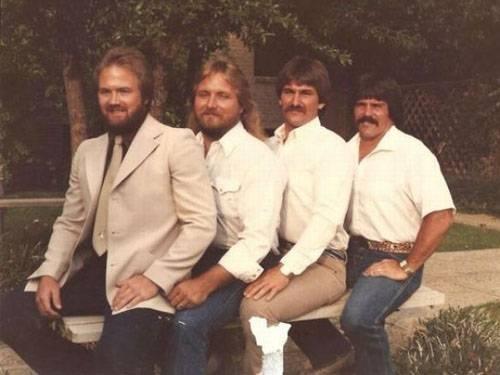 Weird-Odd-Family-Photos-Awkward-Facial-Hair-Collection