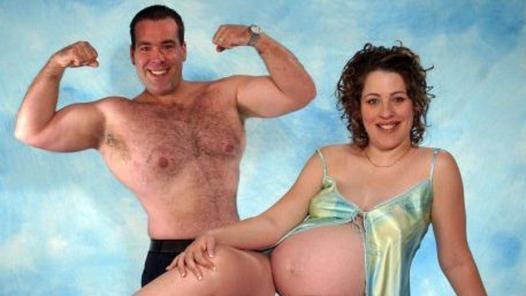 Weird-Odd-Family-Photos-Awkward-Muscles