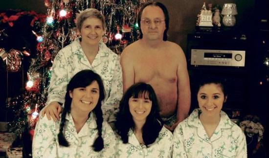 Weird-Odd-Family-Photos-Awkward-Naked-Dad