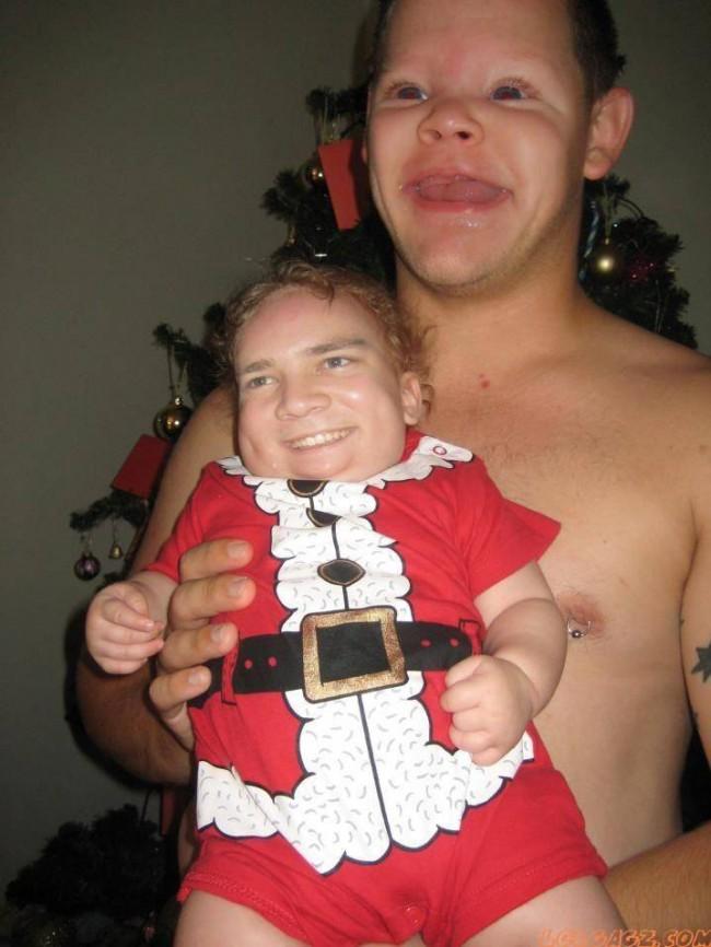 4691860Baby_Santa_And_Daddy_FaceSwap_Eugh