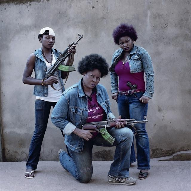 Pieter Hugo Nollywood-irritierende-Bilder-ueber-Afrika_bid_48257-2
