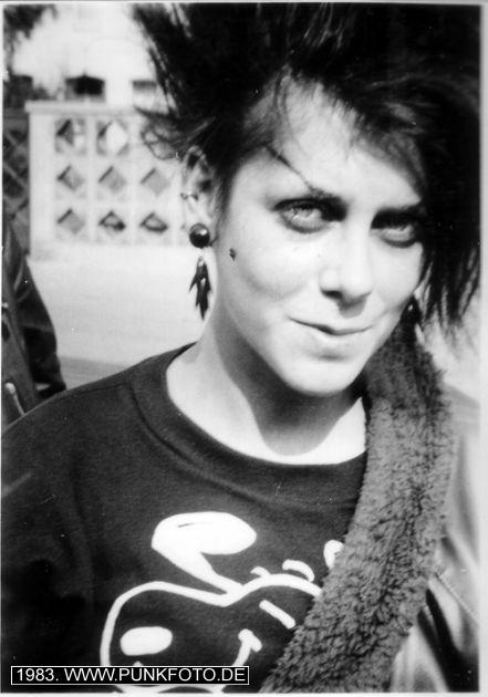 m_punk_photo_unknown_1983_20271