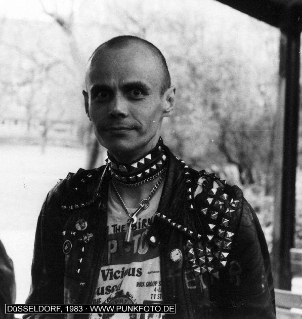 m_punk_photo_unknown_1983_739