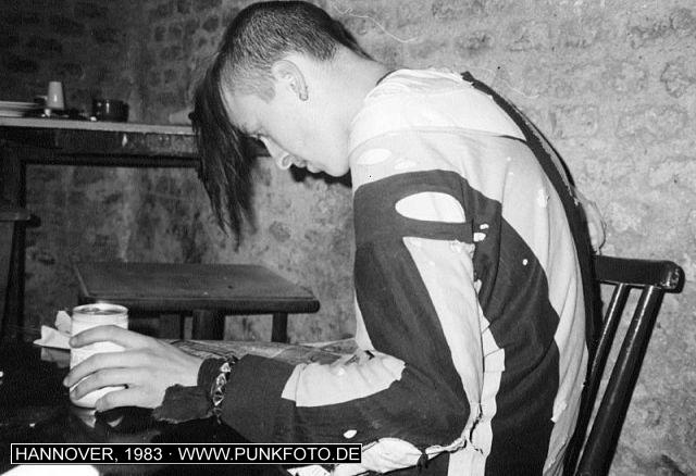m_punk_photo_unknown_1983_881