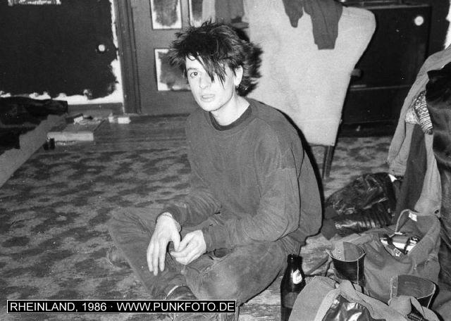 m_punk_photo_unknown_1986_2239