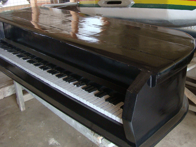 Ghana-Coffins-Kane-Kwei-piano