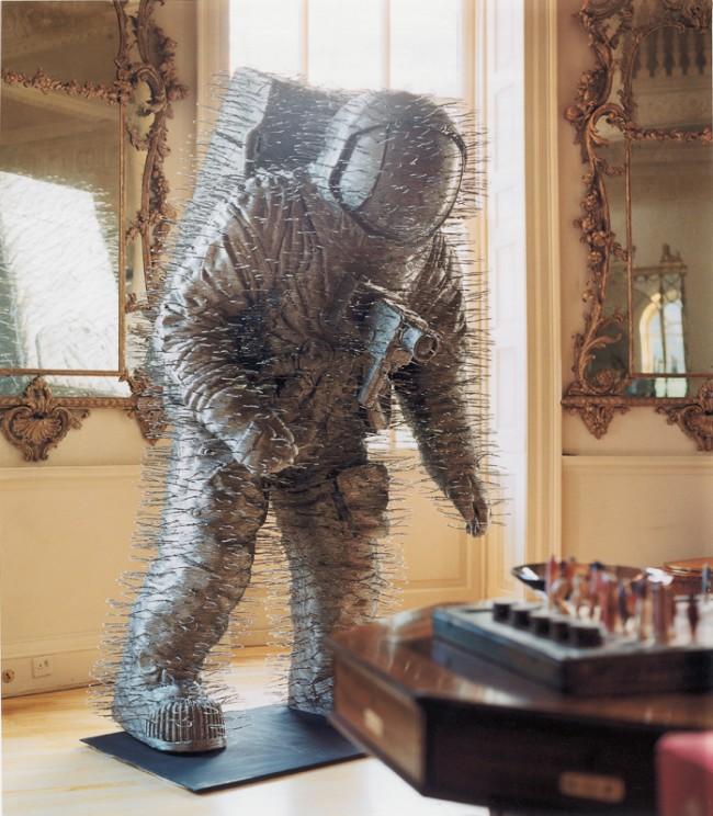 indoor-spaceman-low