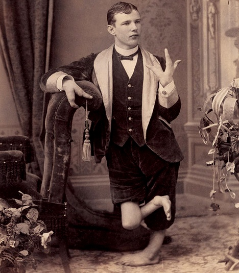 Tags: freak show freaks slider victorian