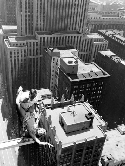 Acrobats over Chicago, 1955 (5)