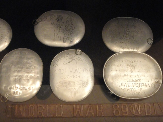 Trench_art_-_National_World_War_I_Museum_-_Kansas_City,_MO_-_DSC07638