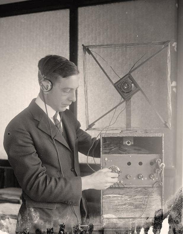 Device-Radio-Old