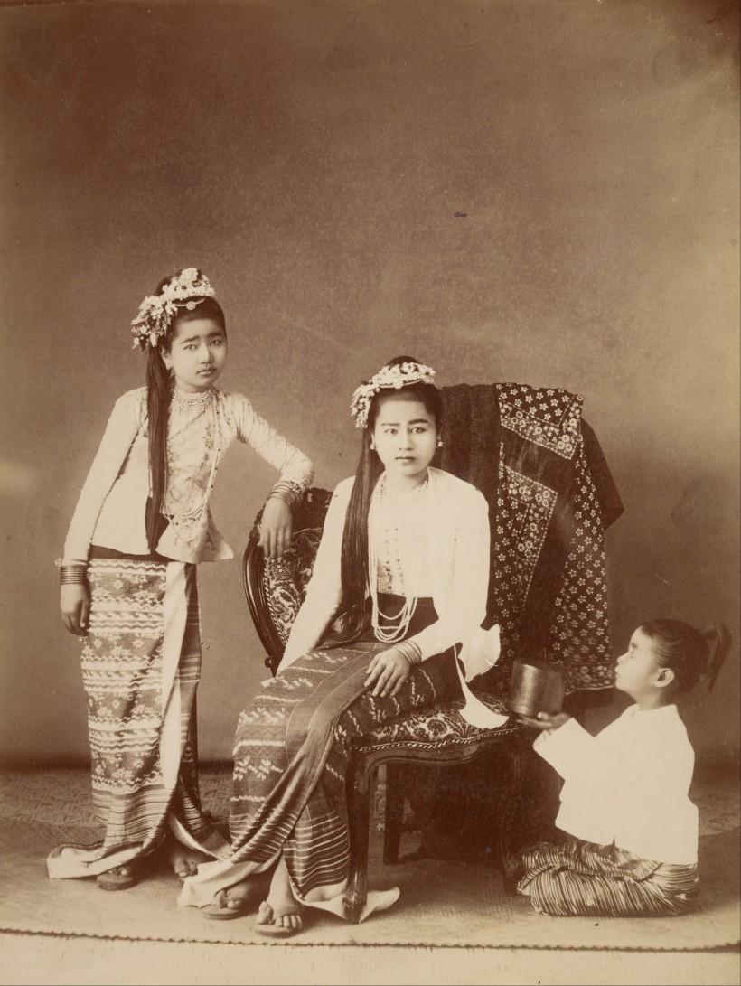 Felice_Beato_(British,_born_Italy_-_Burmese_Princesses_-_Google_Art_Project