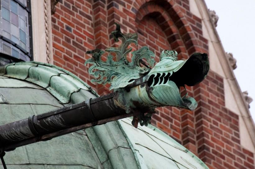 Gargoyle_Wawel_Cathedral_01_AB