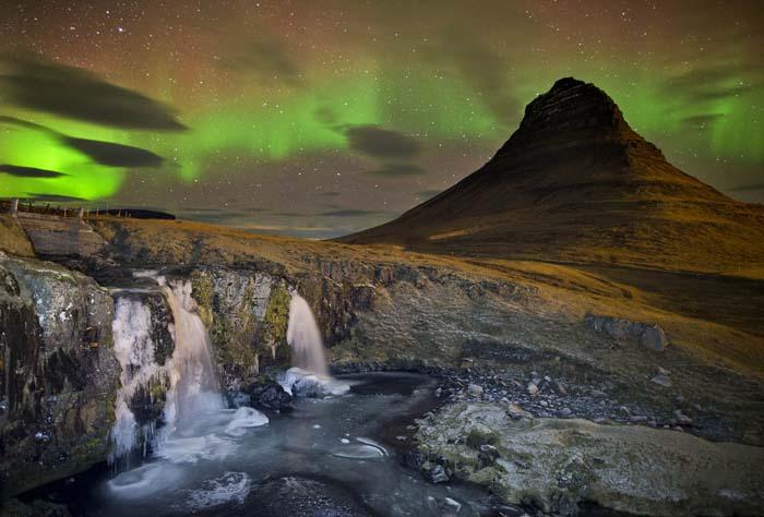 Aurora & Mount Kikjufell