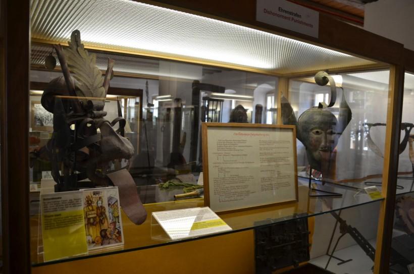 Kriminalmuseum_Rothenburg_ob_der_Tauber_-_Flickr_-_tm-md_(17)