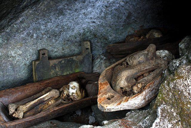 cave-mummies-mount-timbac-kabayan-2
