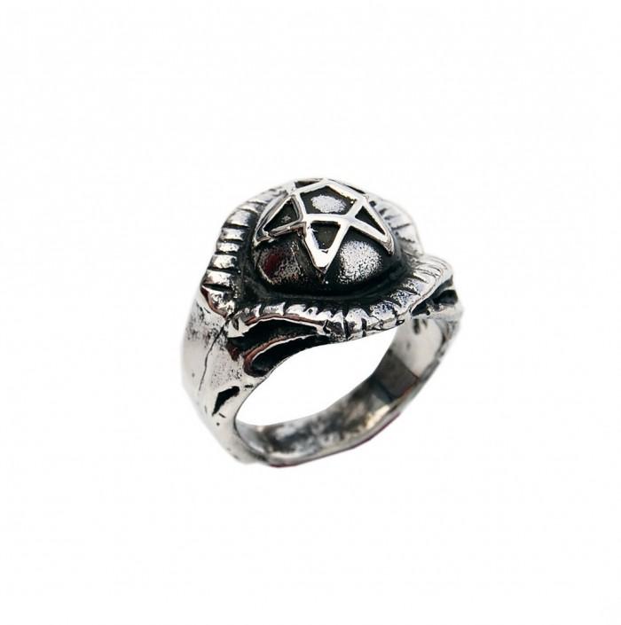 Pagan_Ring_5ed8be52-aadf-4c78-aecc-55ddd1bac90f_2048x2048