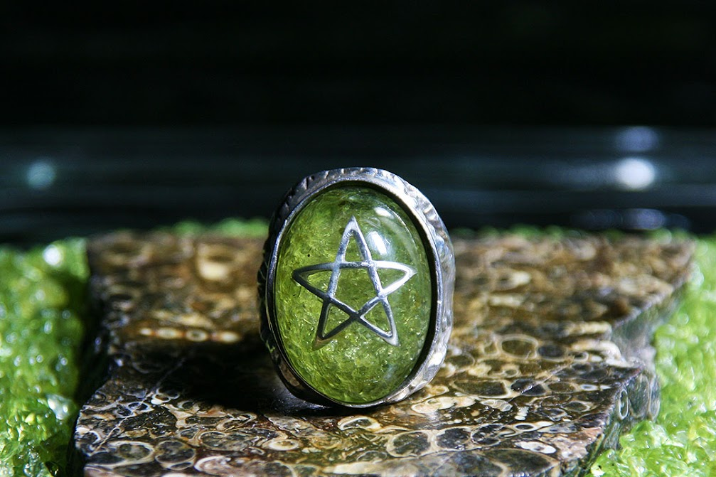 Alex Streeter Angel Heart Ring