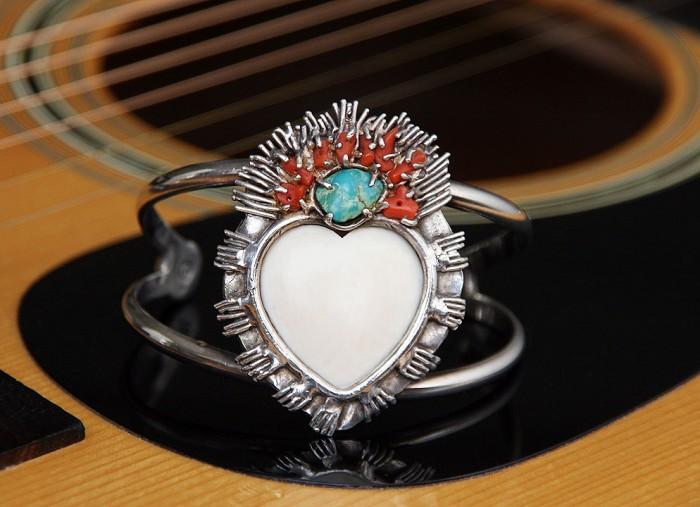 flaming-heart-bracelet-alex-streeter