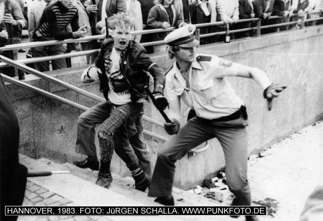 m_punk_photo_juergen-schalla_1983_700