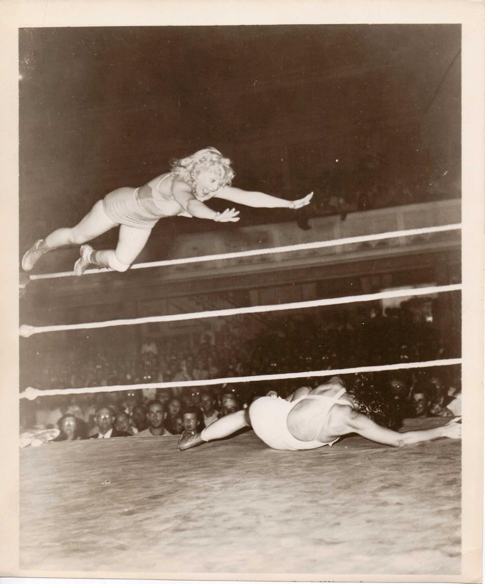 vintage nude pro female wrestling