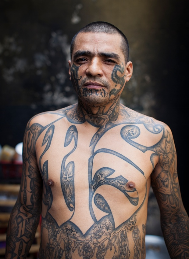 Portraits of ms 13 in el salvador for Prison tattoo pictures