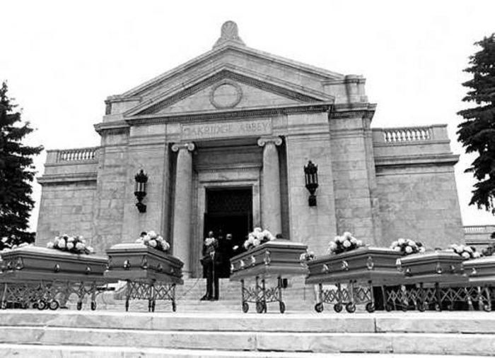 john-wayne-gacy-jr-crime-scenes-el-funeral-de-las-v-ctimas