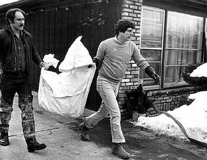 john-wayne-gacy-jr-crime-scenes-los-cad-veres-008-