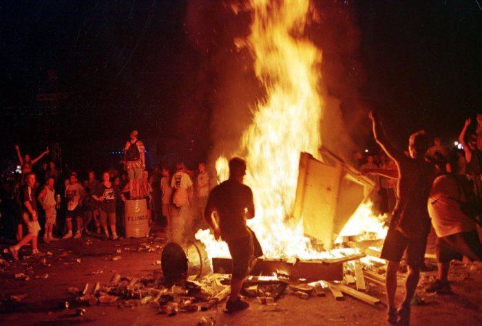 Woodstock 99 fire nu metal