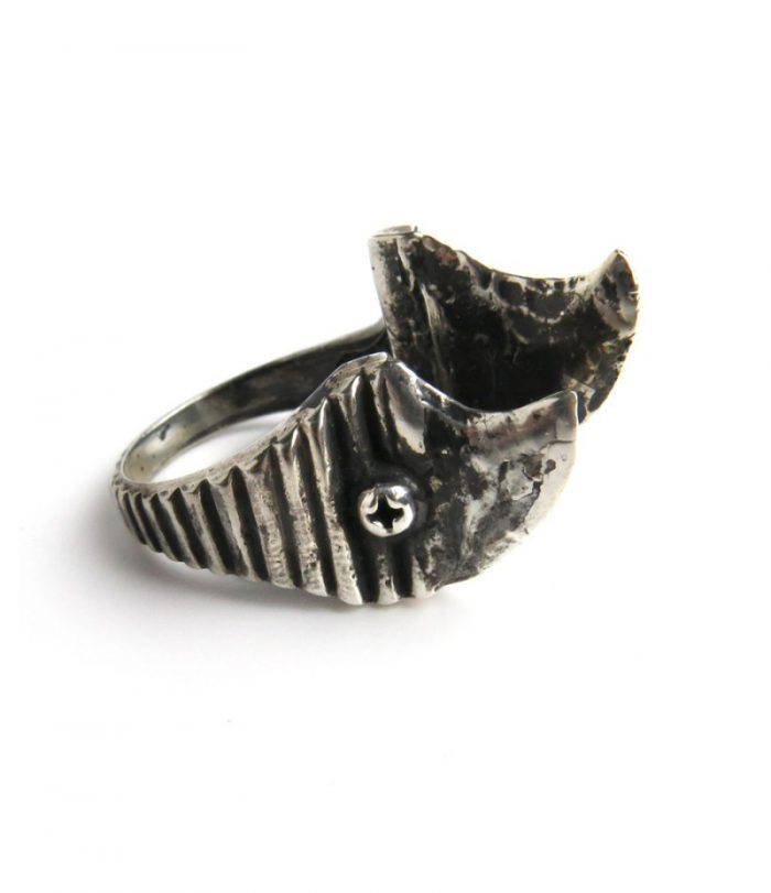 Double Thorn Ring