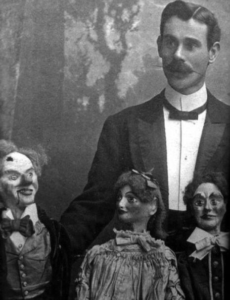 Ventriloquist-Dummiejijkjkjjkljkljj