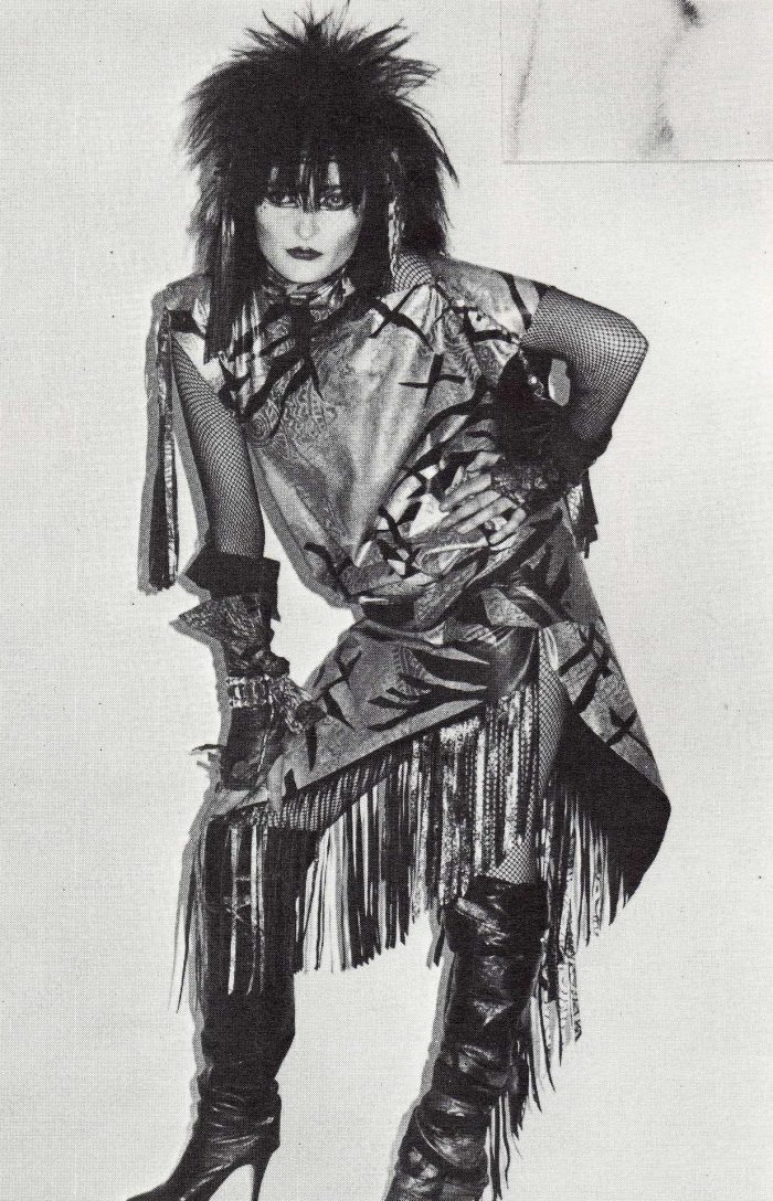 1982.-Siouxsie-Sioux-Siouxsie-and-the-Banshees-p88