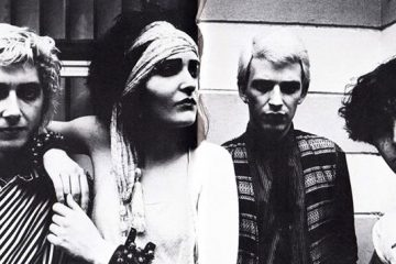 Siouxsie_and_the_banshees_1981's_line-up_with_John_McGeoch
