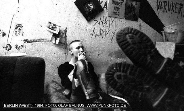 m_punk_photo_olaf-balnus_1984_1052