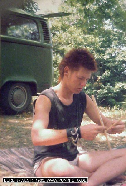 m_punk_photo_unknown_1983_610