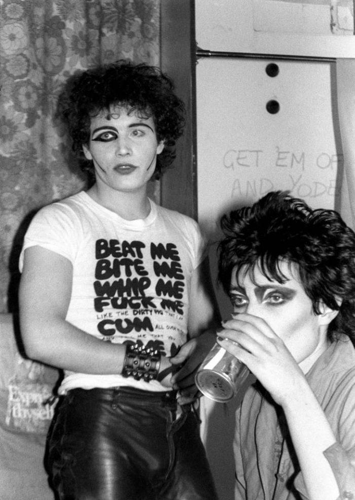 Siouxsie-Sioux-1977-Adam-Ant-1-728x1024