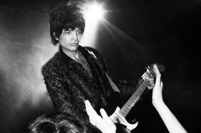 Alan-Vega-london-onstage-1982-billboard-1548