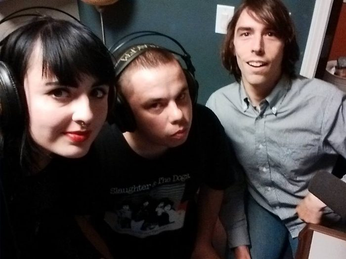 Bellicose Minds interviewed by Dave Cantrell on Xray FM: https://xray.fm/broadcasts/13699