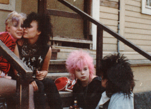essays on punk rock The punk rock music genre 4 pages 956 words march 2015 saved essays save your essays here so you can locate them quickly.