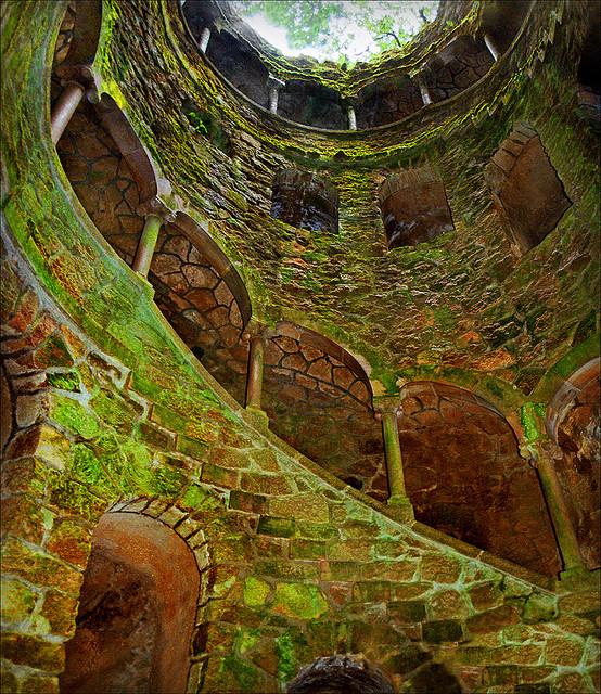 the masonic initiation wells at quinta da regaleira