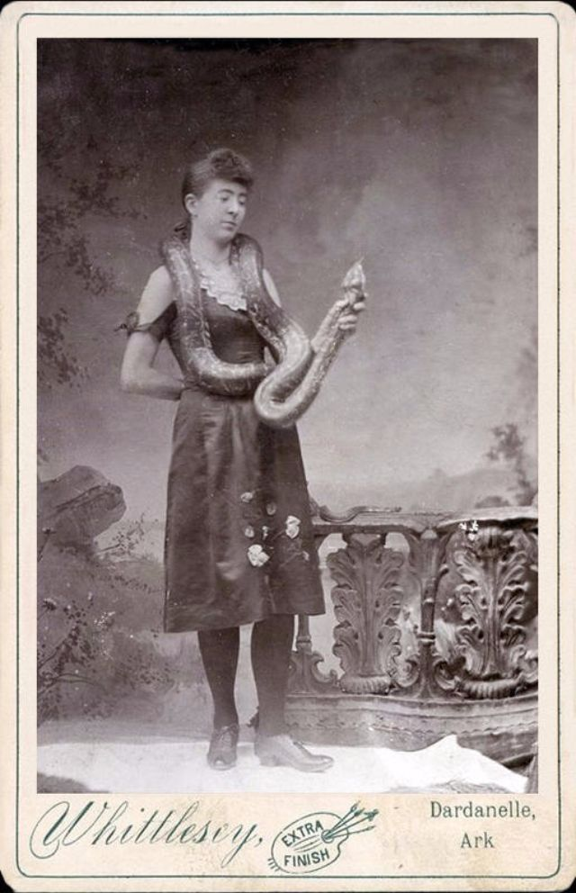 Mistress Of Serpents Vintage Photos Of Snake Charmers