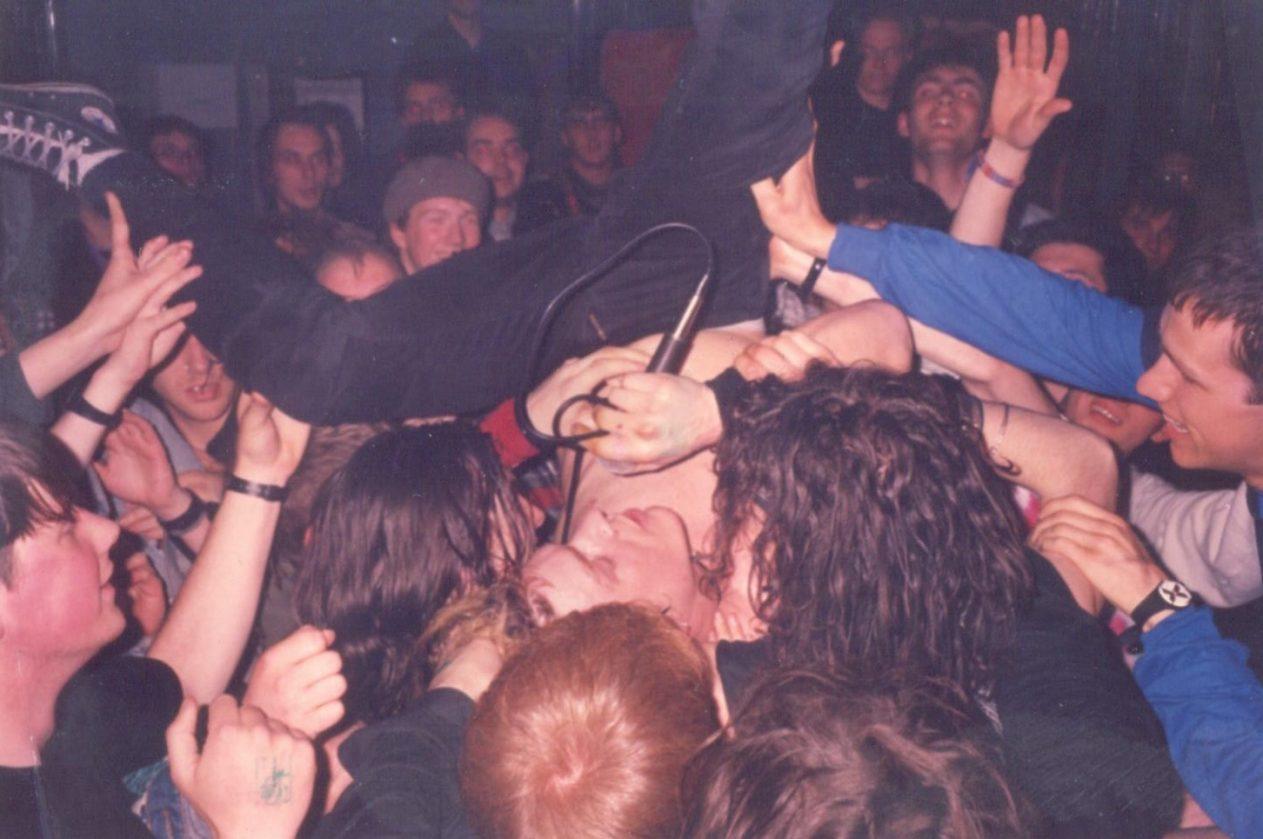 91-04-28-nausea-al-crowd-by-klaas-h1